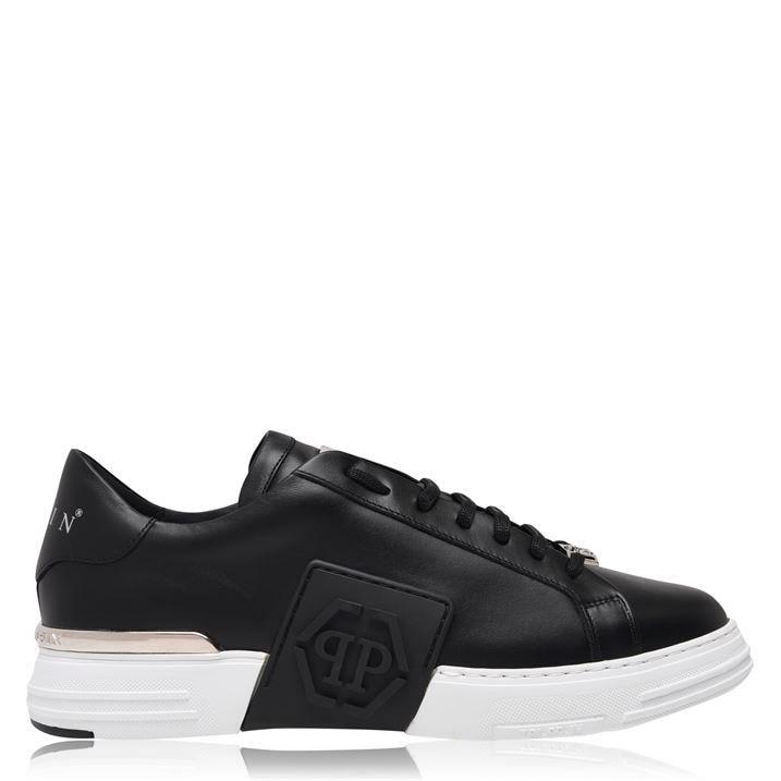 Phantom Low Sneakers
