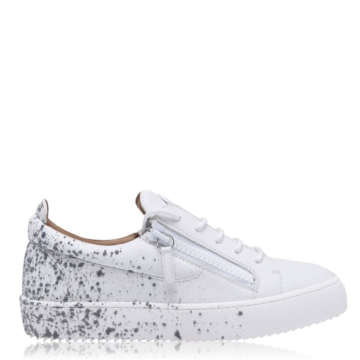 Spray May Low Trainers